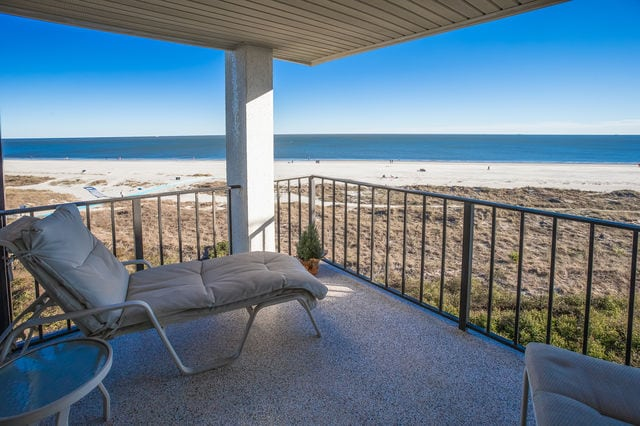 The patio of a Hilton Head vacation rental with beautiful views of the beach.